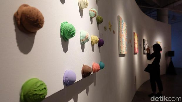 Kepincut Kota Jakarta, Osamu Watanabe Bikin Lukisan 'Seni Krim Palsu'