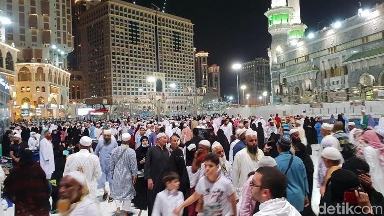 Jemaah Haji yang Jajan Diminta Pastikan Makanan dalam Kondisi Segar