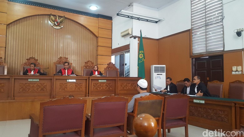 Bacakan Pleidoi, Pengacara: JAD Bukan Wadah Terorisme