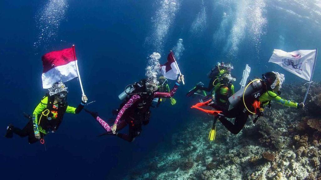 Para Penyelam Wanita Indonesia Ingin Pecahkan Rekor Dunia Tahun Ini