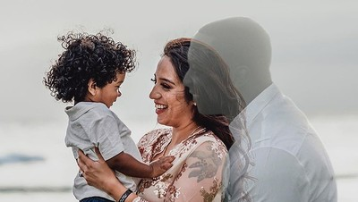 Menampilkan Mendiang Suami, Foto Kehamilan Ini Menyentuh Banget