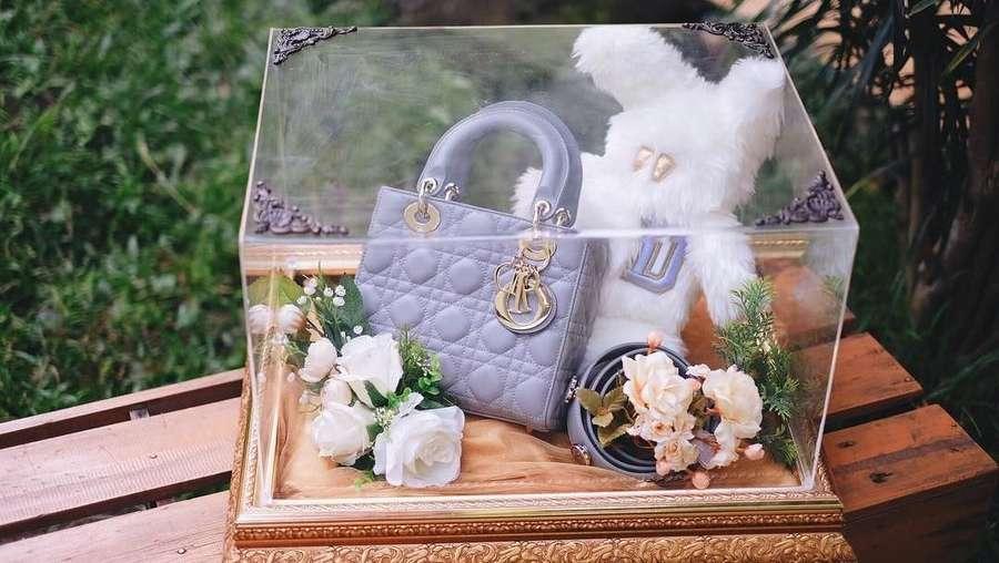 Mewahnya Seserahan untuk Tasya Kamila, Ada iPhone X hingga Tas Dior