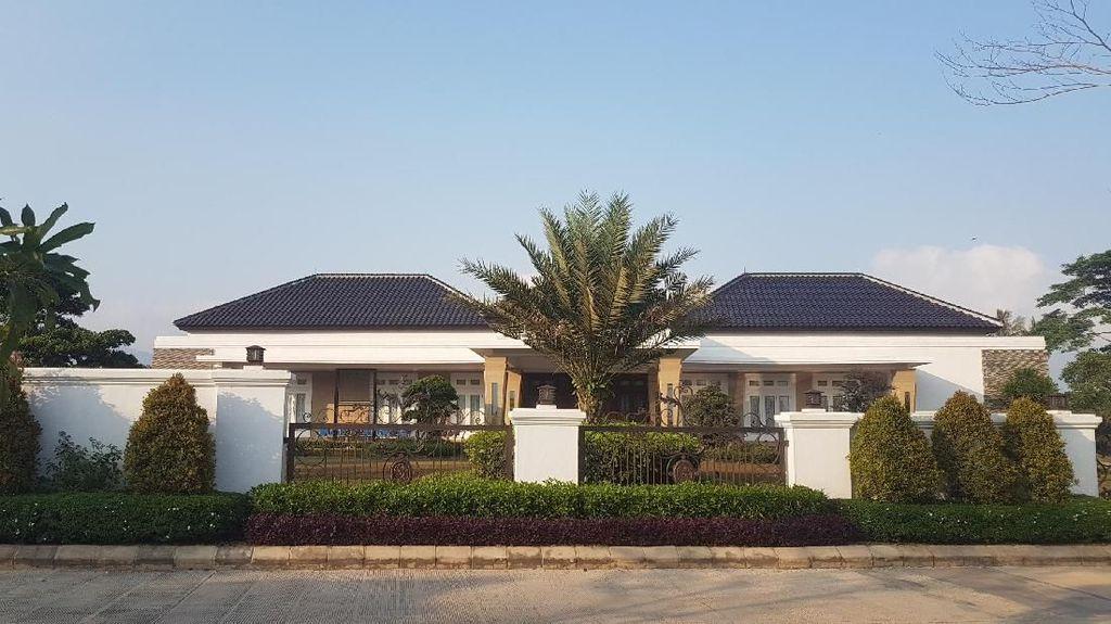 Melihat Rumah Mewah Tempat Bupati Lampung Selatan Ditangkap KPK