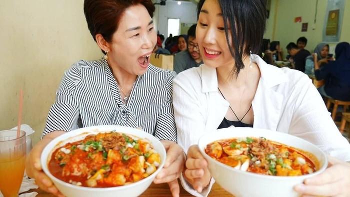 Hari Jisun dan sang Ibu. Foto: Instagram harijisun