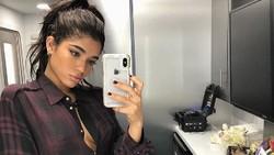 Yovanna Ventura adalah model yang sempat menjalin kasih dengan Justin Bieber. Disebut-sebut mirip Selena Gomez, Yovanna punya gaya hidup sehat dan tubuh bugar.