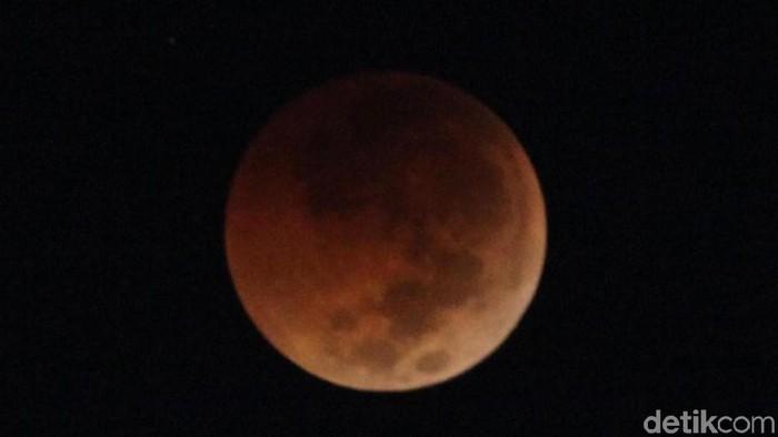 Ilustrasi gerhana bulan total pada pertengahan tahun 2018 lalu. (Foto: Grandyos Zafna/detikcom)