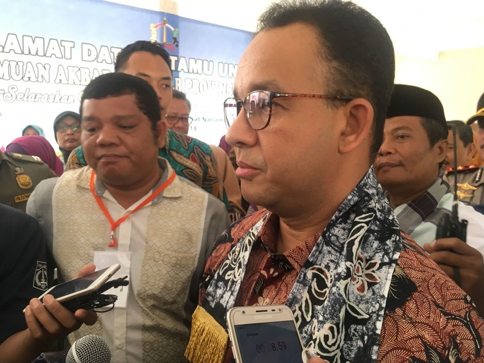 Gubernur DKI Jakarta Anies Baswedan heran atas langkah Komisi Aparatur Sipil Negara (KASN) yang menyampaikan rekomendasi terkait perombakan pejabat DKI Jakarta secara terbuka. (Indra Komara/detikcom)
