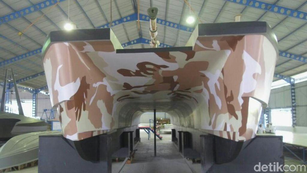 Menhan Cek Tank Boat Pertama Dunia Made in Banyuwangi