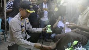 Senangnya Rizal Juara Lari Tanpa Sepatu Kini Kebanjiran Santunan