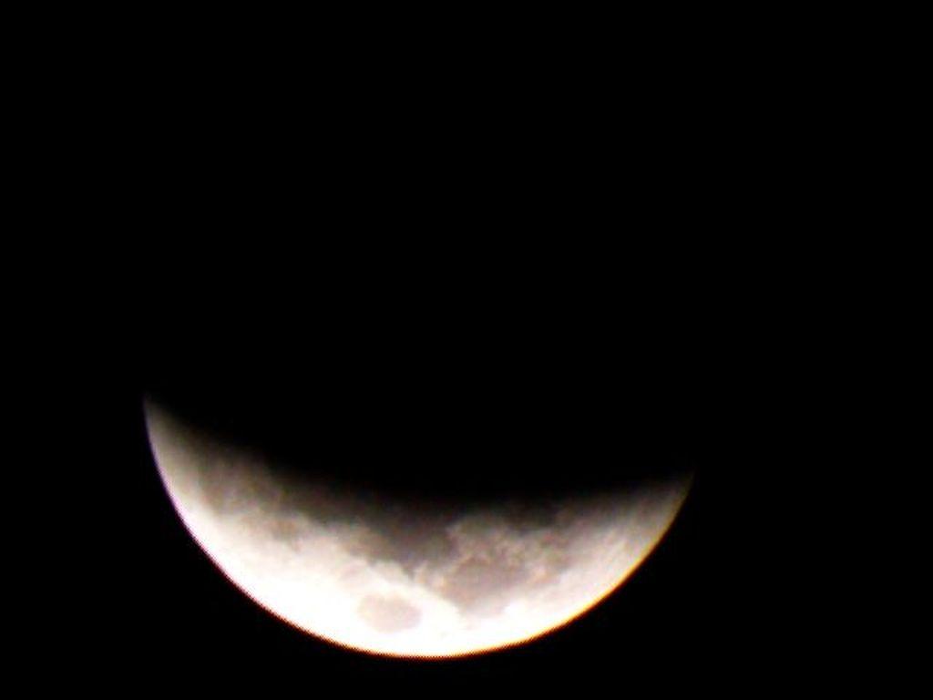 Di berbagai wilayah Indonesia dapat menikmati pemandangan gerhana bulan total. Foto: Dok. LAPAN
