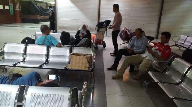 Kronologi Pengadangan di Bandara Batam versi Neno Warisman
