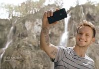 Ivan Rakitic saat mempromosikan keindahan alam Kroasia (Croatian National Tourist Board/Youtube)