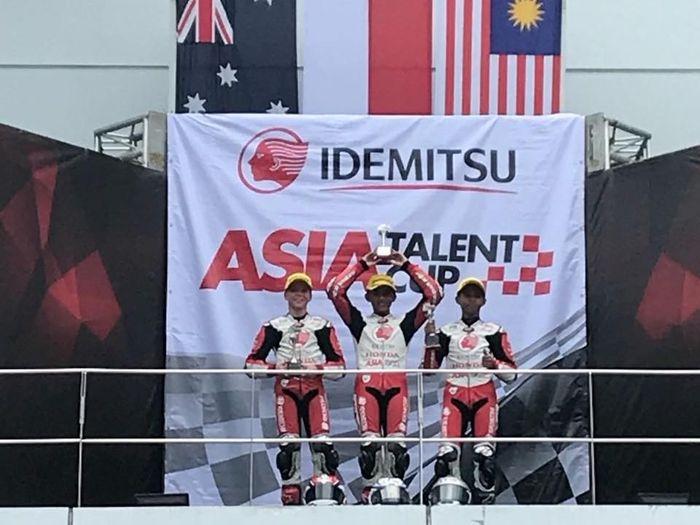 Mario Suryo Aji berhasil mempersembahkan podium pertama dalam balapan Asia Talent Cup Race I Seri III di Sepang, Malaysia, Sabtu (28/7/2018). (Foto: dok. Astra Honda Racing Team)