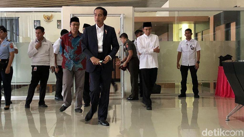Jokowi Ditemani Din Syamsuddin dan TGB Resmikan Ponpes di Sumbawa