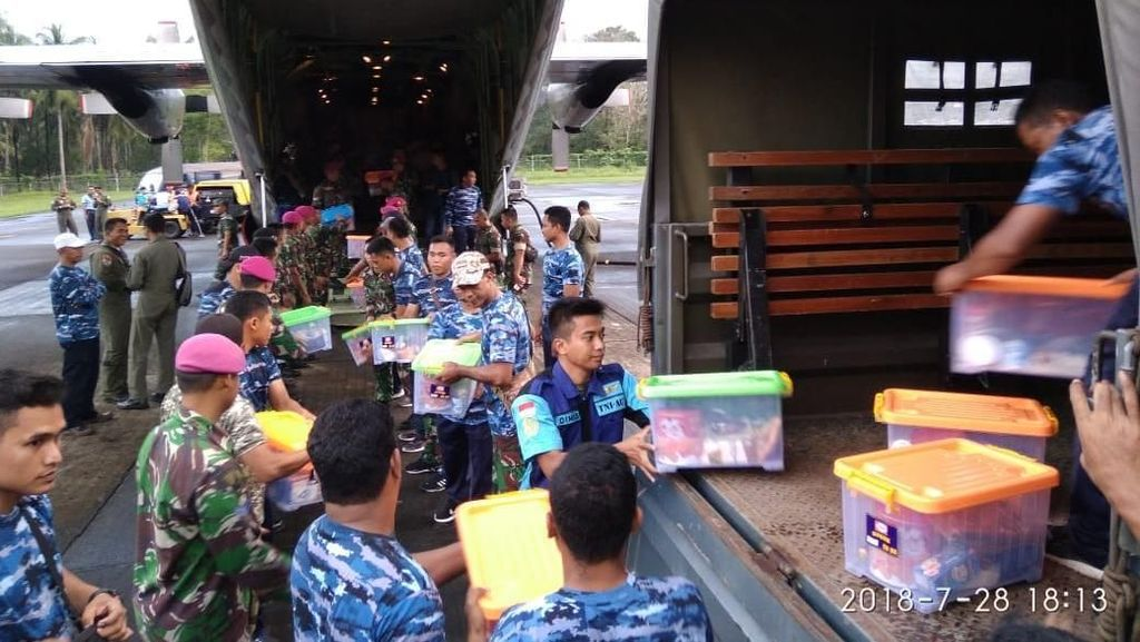 TNI Tambah Bantuan Kemanusiaan untuk Korban Kelaparan di Maluku