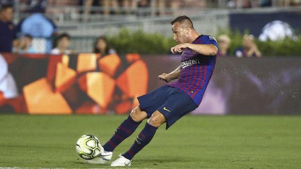 Arthur bisa membantu Messi kembali jadi pemain terbaik di musim ini.