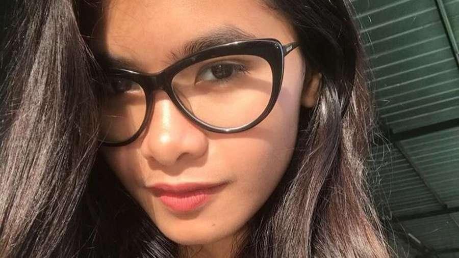 Manisnya Anak Iis Dahlia yang Jualan Puding di Pinggir Jalan