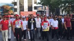 Jokowi Jalan Santai di Makassar, Ganjar Hingga Khofifah Hadir