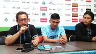 Pujian Tinggi Aji Santoso untuk Sang Pahlawan Hat-trick Dendy Sulistyawan