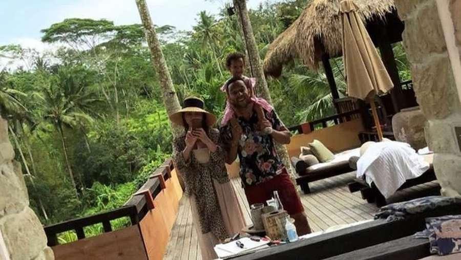Serunya Liburan John Legend dan Chrissy Teigen di Bali
