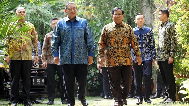 Tak Ada AHY, SBY Ditemani Ibas ke Rumah Prabowo