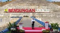 Tampil Simpel, Jokowi Resmikan Bendungan Tanju di NTB
