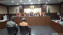 Ponakan-Orang Dekat Setya Novanto Didakwa Jadi Perantara Duit e-KTP