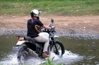 Trek yang dilalui termasuk melewati sungai dan juga Coban Pelangi. Tanpa ragu, trek ini pun dilibas. (dok. Istimewa)