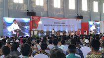 Ditemani TGB, Jokowi Bagikan Sertifikat Tanah untuk Warga Sumbawa
