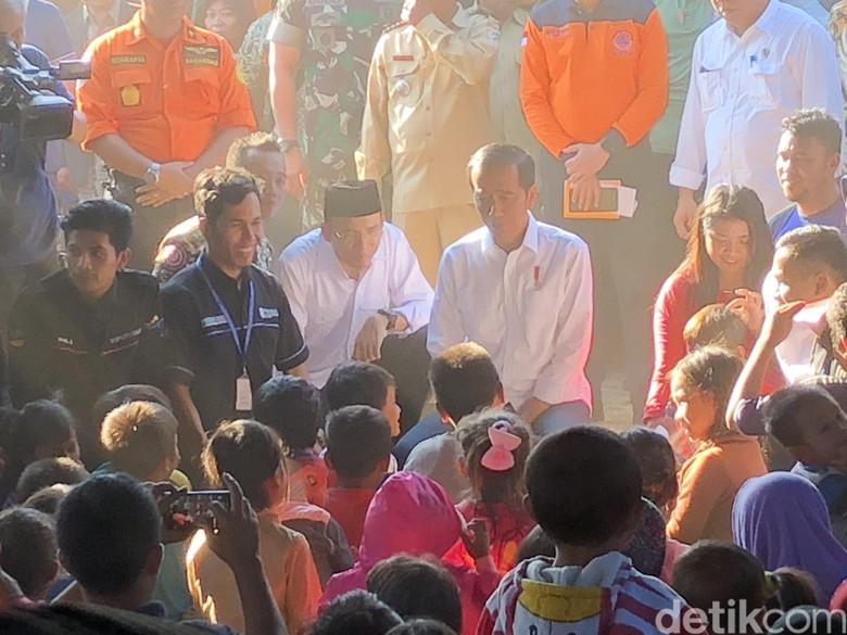 Tiba di Lombok, Jokowi Serahkan Bantuan untuk Korban Gempa