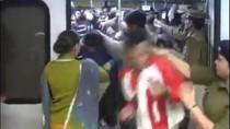 Pria Masuk ke Gerbong Wanita di Kereta, Keluarnya Ditabok Polisi