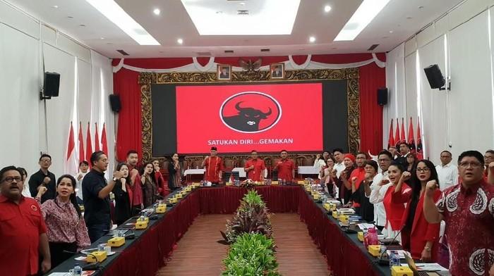 Pembekalan bacaleg artis di PDIP (Foto: dok. PDIP)