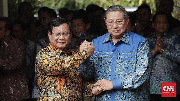 Ketum Gerindra Prabowo Subianto bersama Ketum Demokrat Soesilo Bambang Yudhoyono.