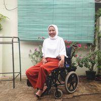 Kisah Laninka Siamiyono, Difabel yang Merasa 'Hidup Kembali' karena Makeup