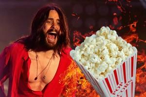 Waduh! Jared Leto Nyaris Terbakar Tangannya Saat Bikin Popcorn
