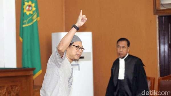 Teror Bom yang Jadi Alasan Hakim Bekukan JAD