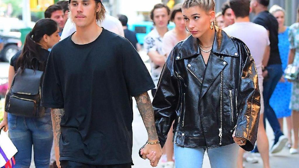 Justin Bieber dan Hailey Baldwin Nangis Bareng di Pojokan Jalan