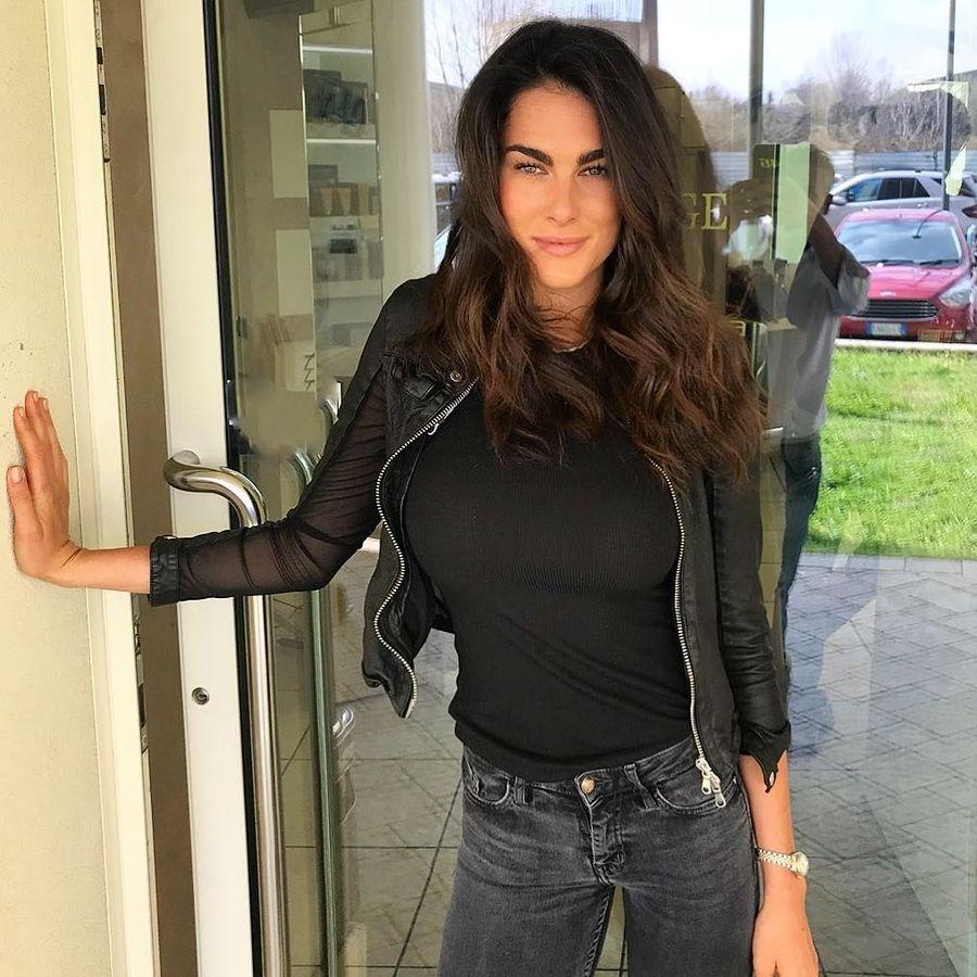 Francesca Sofia Novello adalah model asal Milan, Italia. Kedekatan Novello dengan Valentino Rossi mulai terendus sejak akhir tahun lalu (francescasofianovello/Instagram)