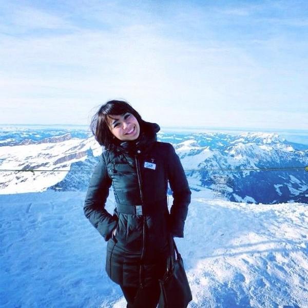 Pose Fera di Mount Titlis, salah satu gunung di kawasan Alpen (fera_fe/Instagram)
