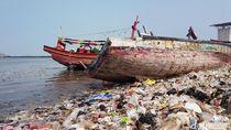 Duh! Pelabuhan Ikan Kok Kayak Penampungan Sampah