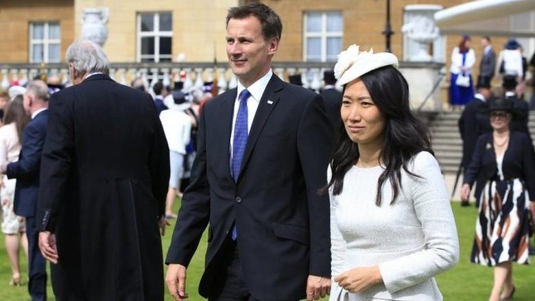 Ups! Menlu Inggris Sebut Istrinya dari Jepang, Padahal dari China