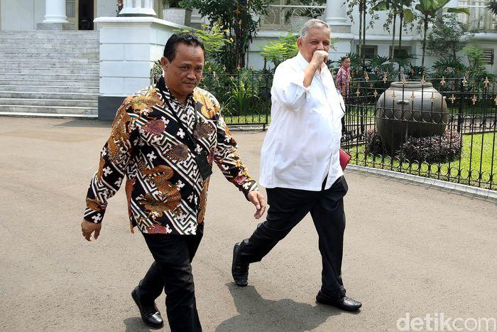 Sofyan Basir tampak tergesa-gesa saat tiba di Istana Kepresidenan Bogor, Jawa Barat, Selasa (31/7/2018).