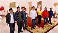 Harga Sneakers Made in Bandung yang Dipakai Jokowi Bertemu Sekjen Parpol
