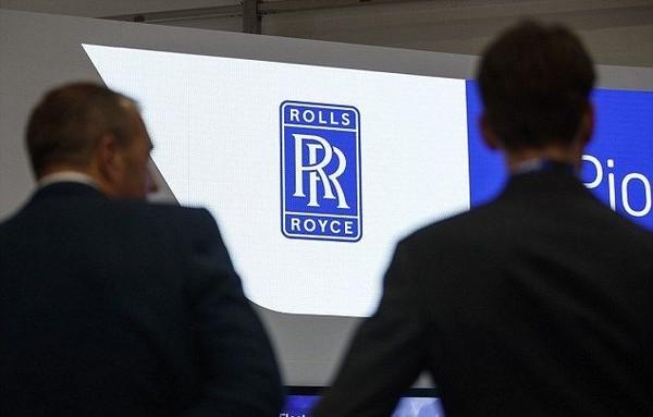 Rolls Royce mengungkapkan rencana taksi terbang ini saat presentasi di ajang Farnborough Airshow berapa waktu lalu. Taksi terbang ini diharapkan akan merevolusi dunia traveling. (AFP/Getty Images)