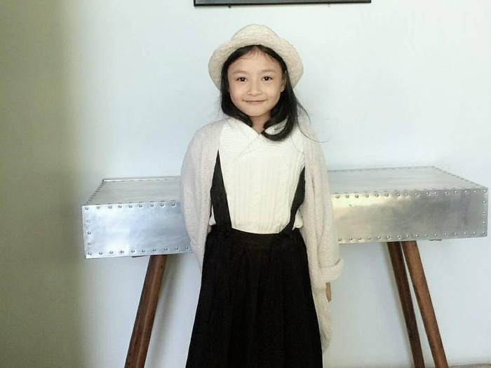 Hanna Khadija, desainer busana muslim cilik berusia 10 tahun. Foto: Instagram/Hanna_Khadija