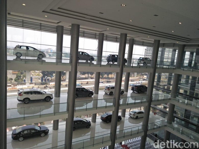 Mobil Honda di diler terbaru. Foto: Ruly Kurniawan