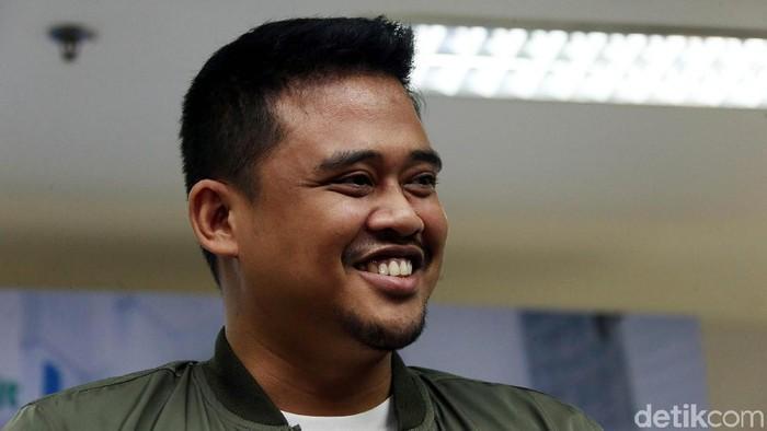 Anak pertama dari pasangan Bobby Nasution dan  Kahiyang Ayu telah lahir. Rona kebahagiaan pun terpancar di wajah Bobby saat mengumumkan kelahiran putrinya.