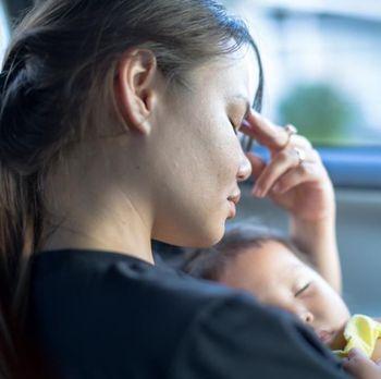 Rasa ngantuk sering mengalahkan kebutuhan menyusui.