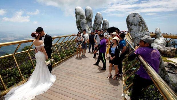 Jembatan Emas di Vietnam Ini Terus Tuai Pujian Internasional