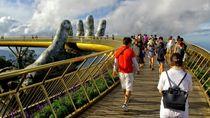 Ada Jembatan Tangan Dewa di Vietnam